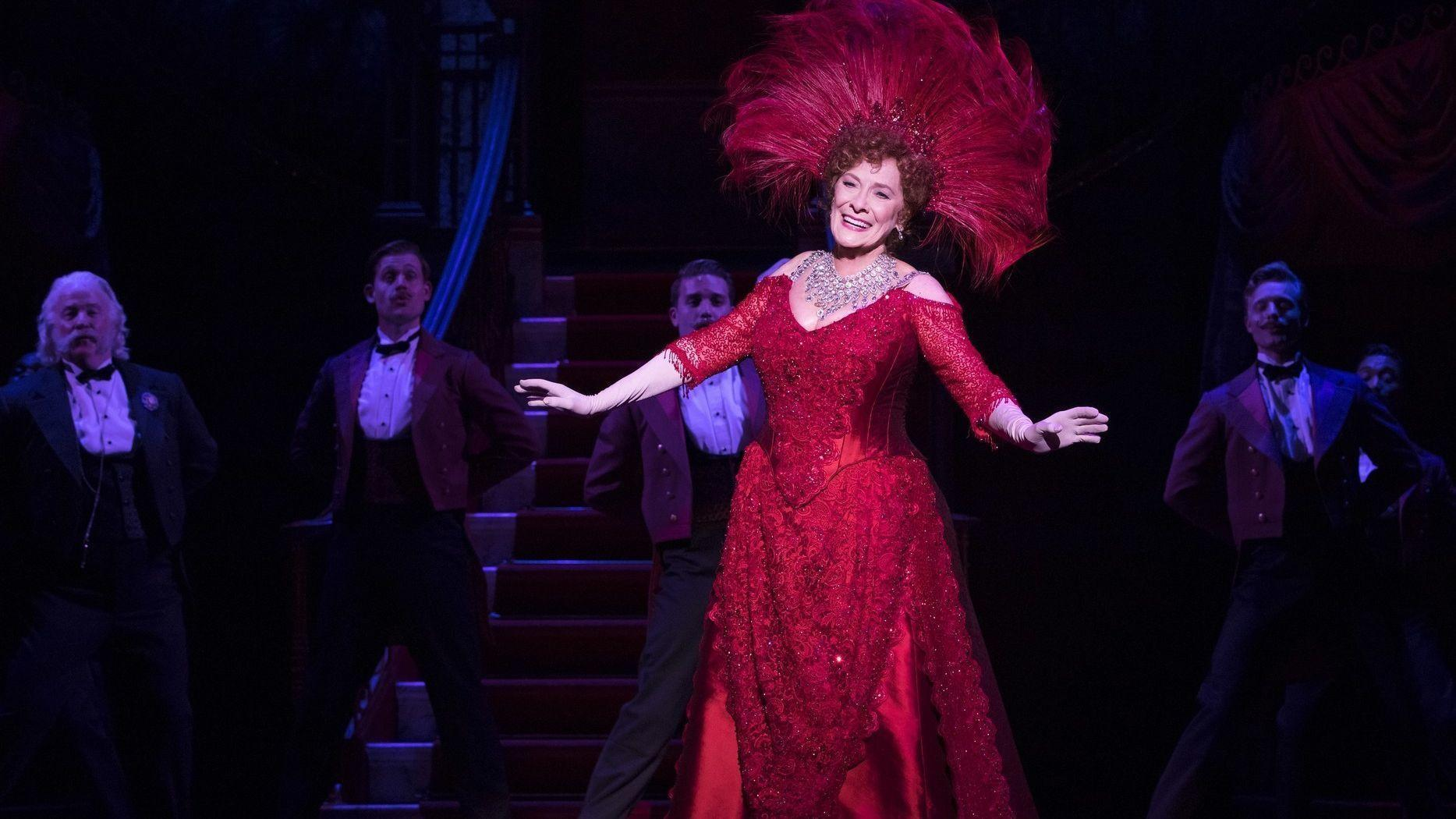 ct-ent-hello-dolly-review-1026